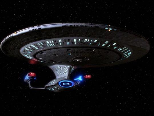 USS_Enterprise-D,_TNG_Season_3-7.jpg